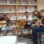 שיעור קבוצתי בגיטרה בתמרת