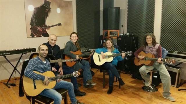 שיעורי גיטרה למבוגרים